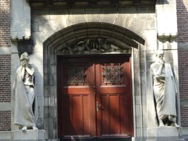 Beelden kapel Begraafplaats Crooswijk