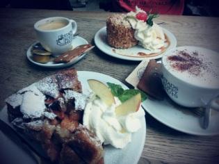 Cappuccino met appeltaart