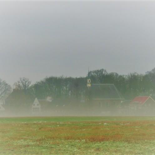 oud-zuilen-in-de-mist