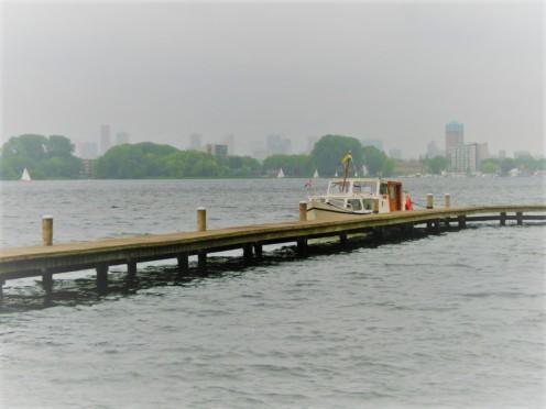 Boot bij vlonder Kralingse Plas