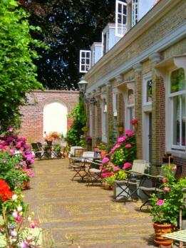 Bloemen in het Eva van Hoogeveenhof