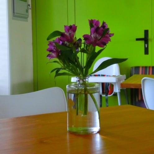 Bloemen in het theehuis