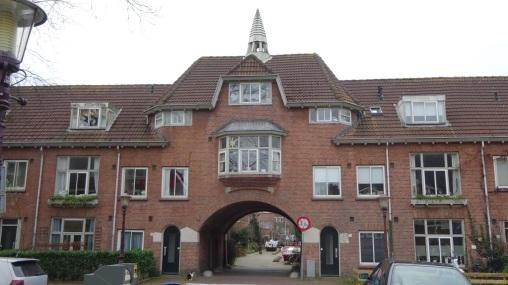 Wandelen door de tuindorpen van amsterdam noord vera wandelt for Huizen stijlen