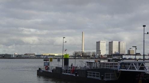 Uitzicht op de toren bij het Marconiplein