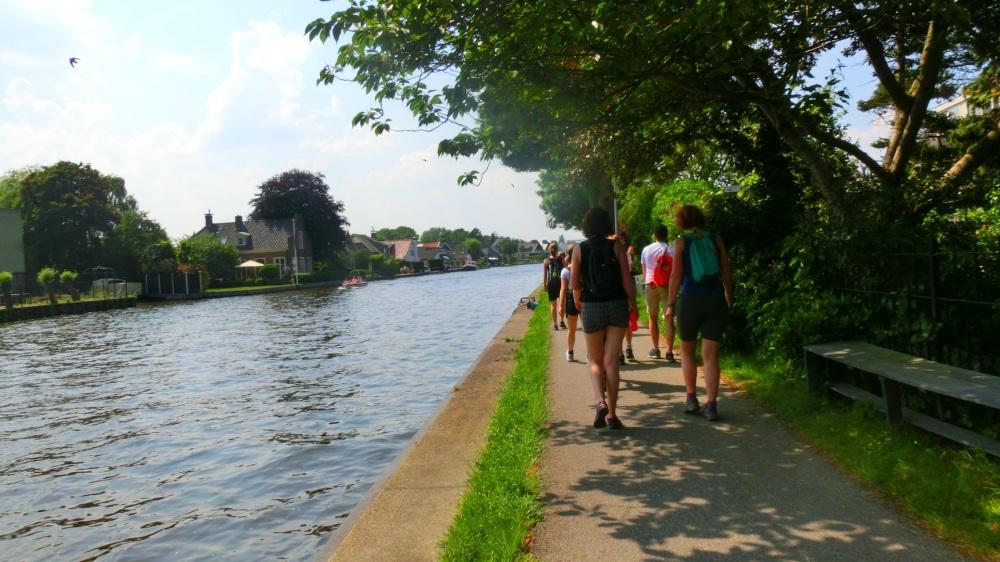 Smal pad langs de Rijn