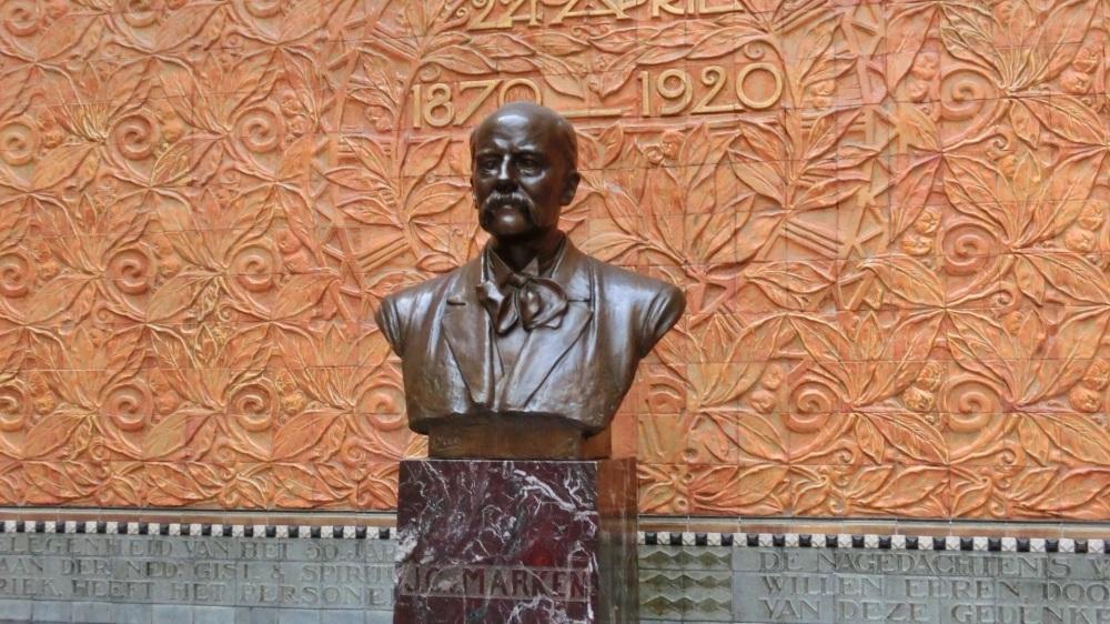 Buste Jacques van Marken