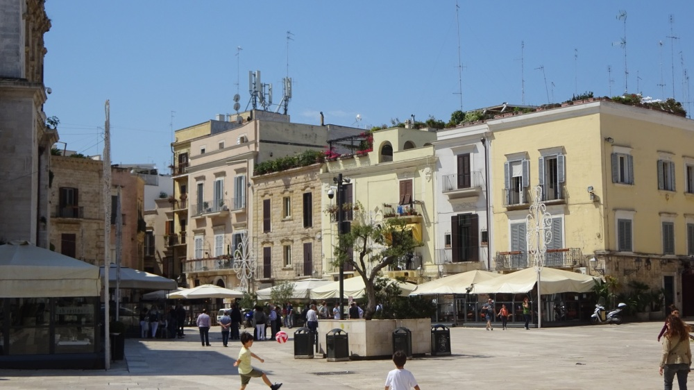 Piazza de Mercantille